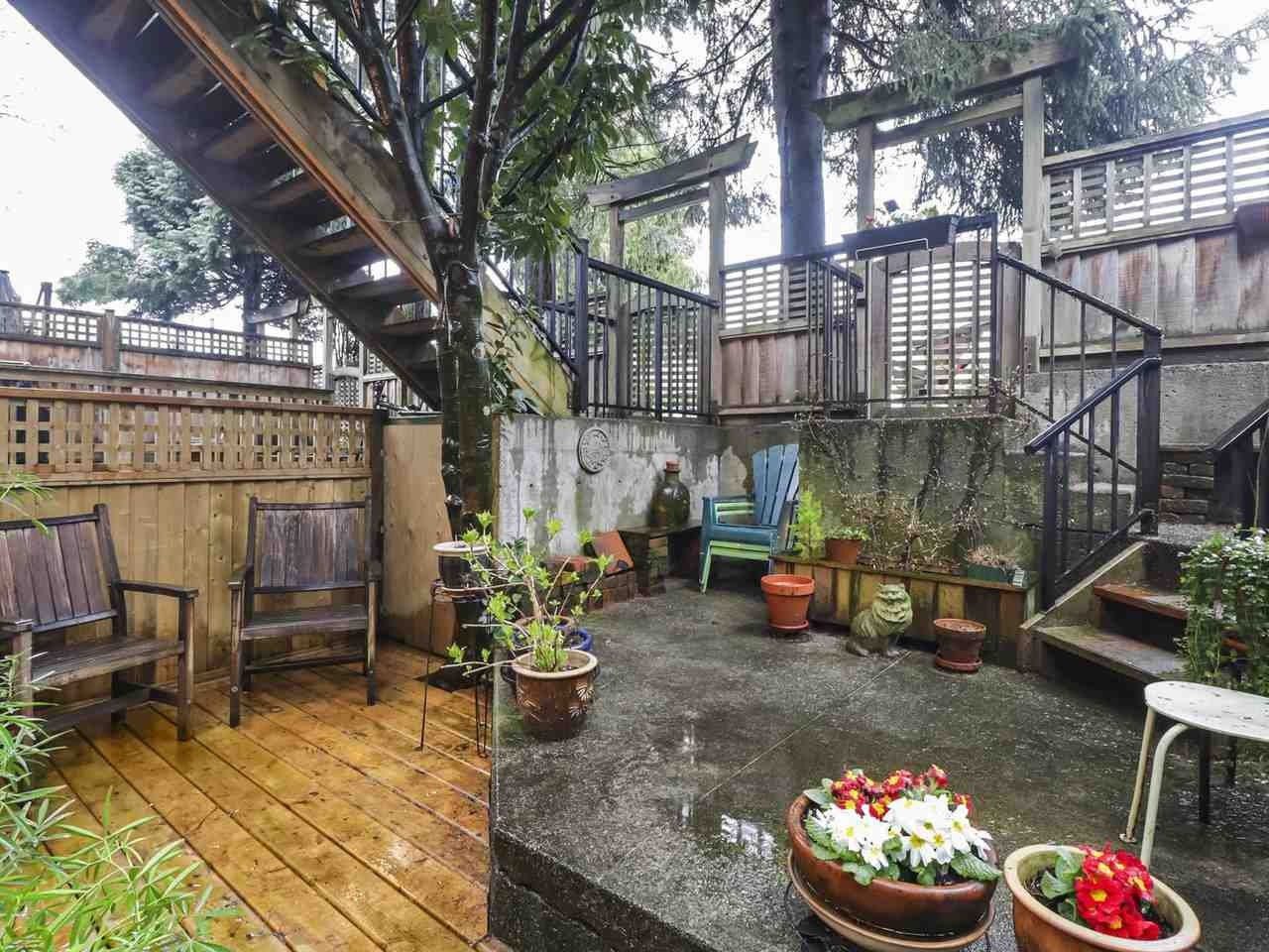 """Photo 15: Photos: 103 1943 E 1ST Avenue in Vancouver: Grandview Woodland Townhouse for sale in """"THE VAULT"""" (Vancouver East)  : MLS®# R2465391"""