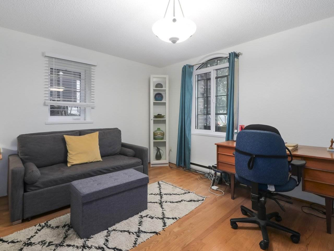 """Photo 7: Photos: 103 1943 E 1ST Avenue in Vancouver: Grandview Woodland Townhouse for sale in """"THE VAULT"""" (Vancouver East)  : MLS®# R2465391"""