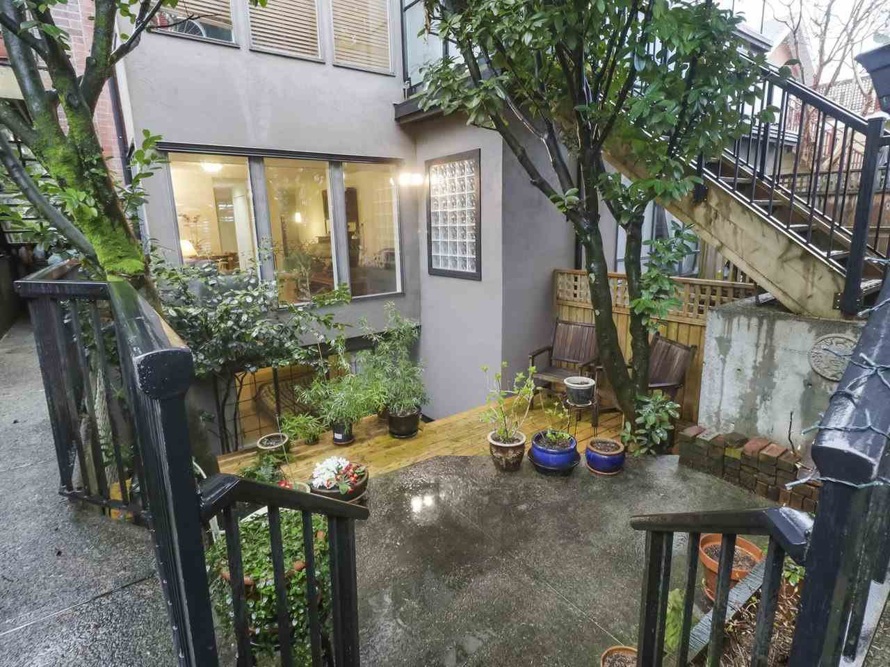 """Photo 16: Photos: 103 1943 E 1ST Avenue in Vancouver: Grandview Woodland Townhouse for sale in """"THE VAULT"""" (Vancouver East)  : MLS®# R2465391"""