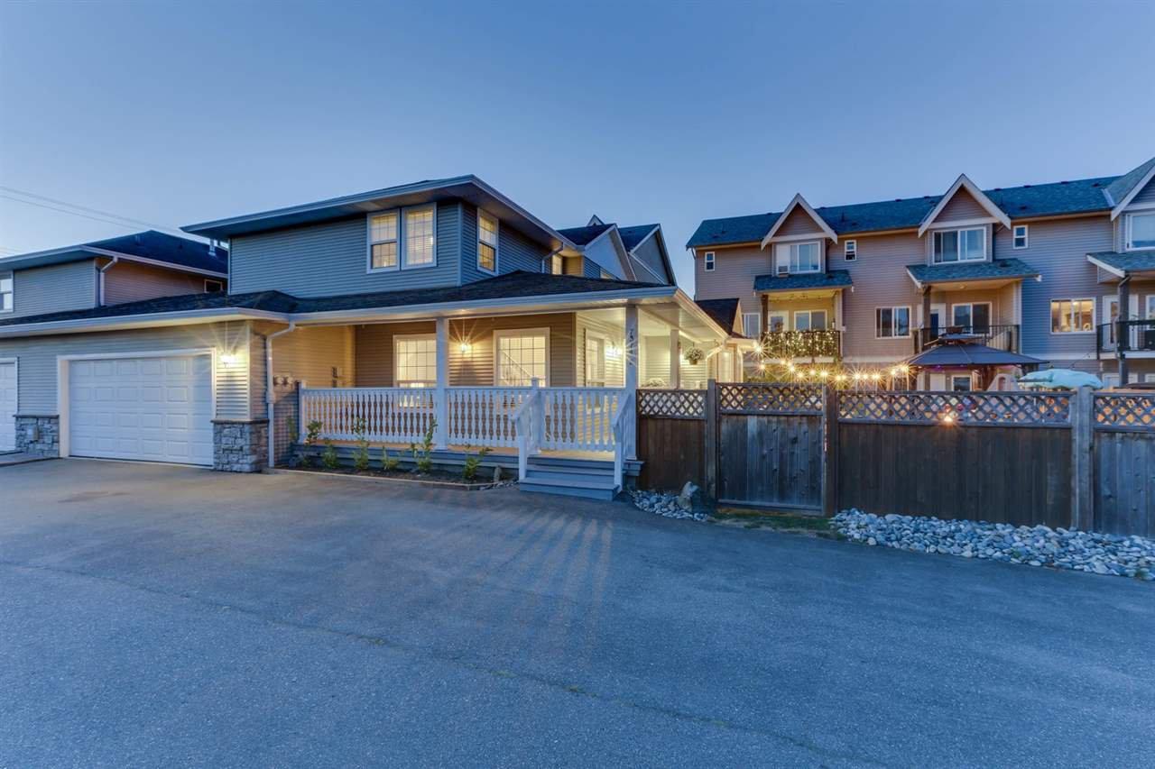 Main Photo: B 7374 EVANS Road in Sardis: Sardis West Vedder Rd House 1/2 Duplex for sale : MLS®# R2491454