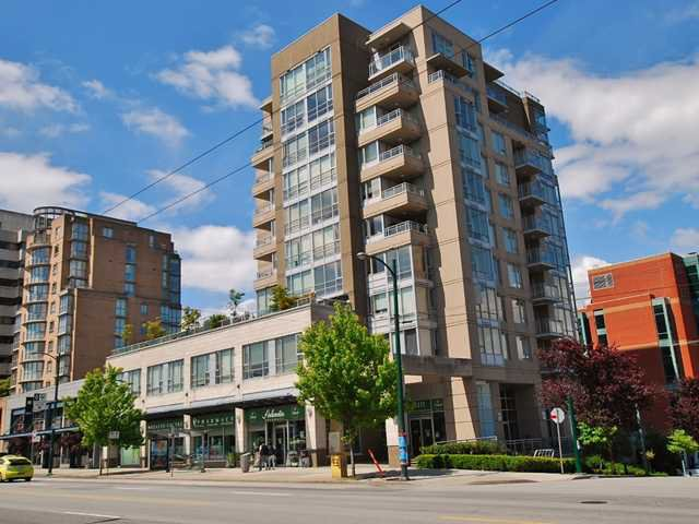 "Main Photo: 404 2483 SPRUCE Street in Vancouver: Fairview VW Condo for sale in ""SKYLINE"" (Vancouver West)  : MLS®# V953379"