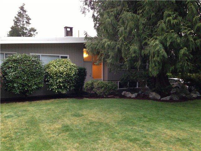 Main Photo: 919 LEOVISTA Avenue in North Vancouver: Capilano Highlands House for sale : MLS®# V1002386