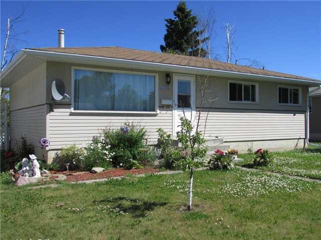 Main Photo: 9612 PEACE RIVER Road in Fort St. John: Fort St. John - City NE House for sale (Fort St. John (Zone 60))  : MLS®# N237757