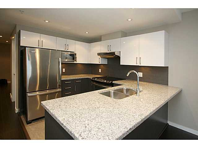 Main Photo: # 1709 14 BEGBIE ST in New Westminster: Quay Condo for sale : MLS®# V1045002