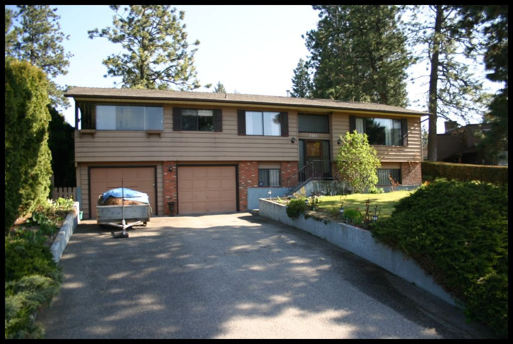 Main Photo: 2151 Michelle Crescent in Kelowna: Lakeridge Park House for sale (West Kelowna)  : MLS®# 10098133