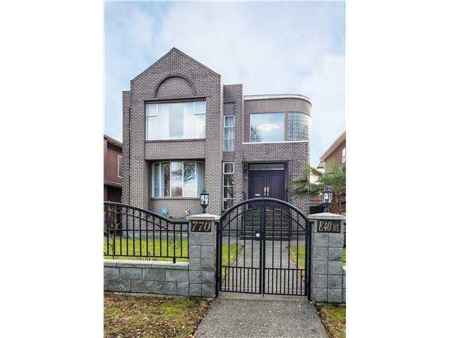 Main Photo: 778 E 40 Street in Vancouver: House for sale (Vancouver East)  : MLS®# V1040737