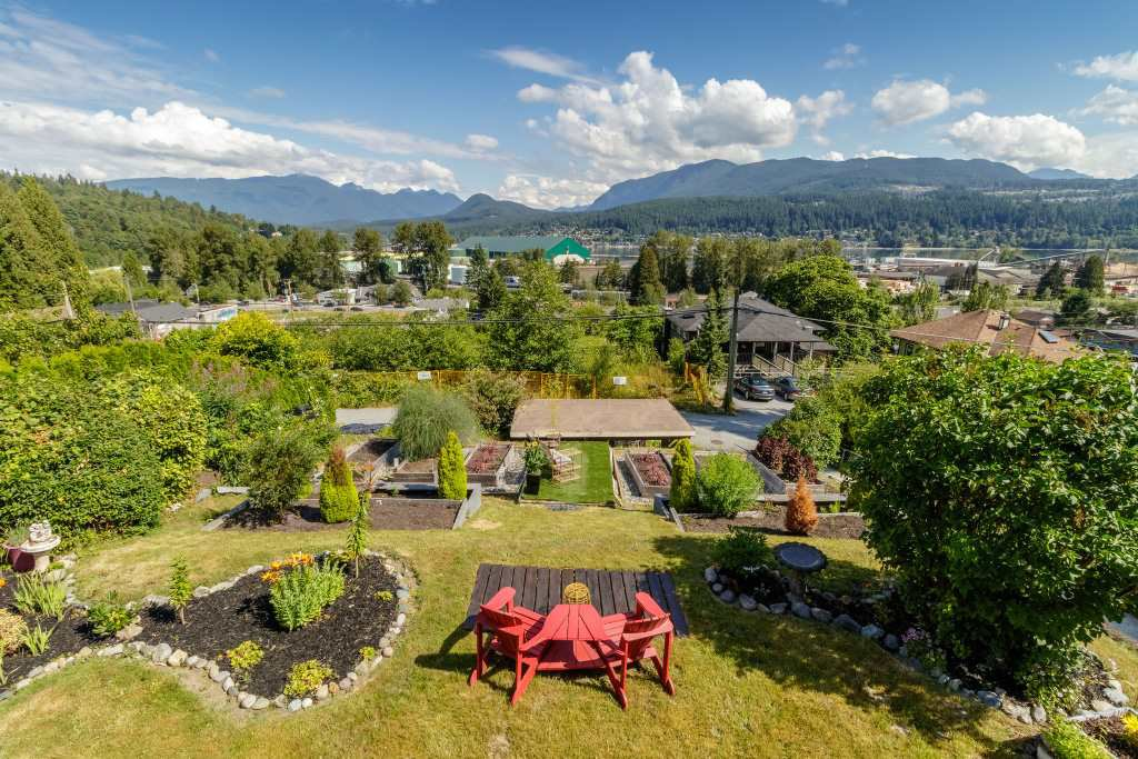 Main Photo: 2322 ST GEORGE Street in Port Moody: Port Moody Centre House for sale : MLS®# R2404288