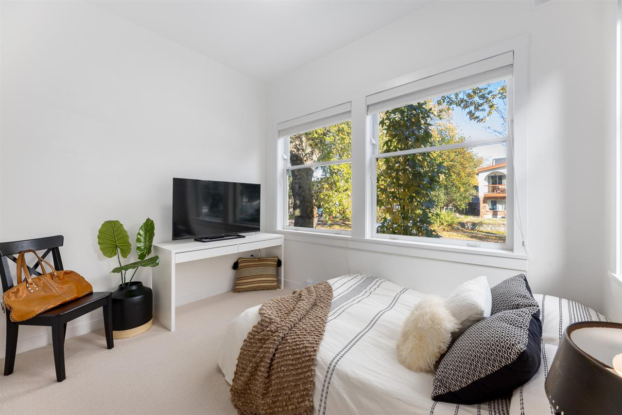 Photo 12: Photos: 101 1872 PARKER Street in Vancouver: Grandview Woodland Condo for sale (Vancouver East)  : MLS®# R2427065