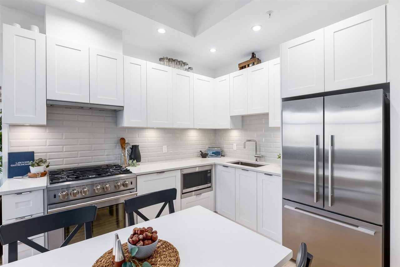 Photo 9: Photos: 101 1872 PARKER Street in Vancouver: Grandview Woodland Condo for sale (Vancouver East)  : MLS®# R2427065