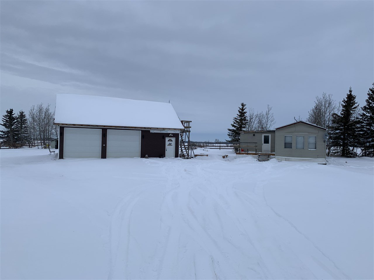 Main Photo: : Rural Lamont County Manufactured Home for sale : MLS®# E4185060
