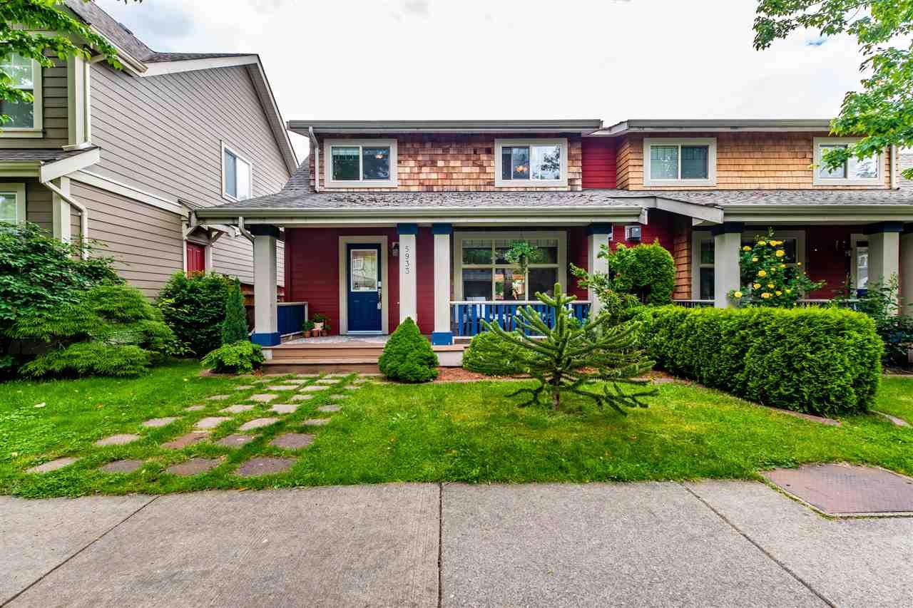 "Main Photo: 5933 MATSQUI Street in Chilliwack: Vedder S Watson-Promontory House 1/2 Duplex for sale in ""GARRISON CROSSING"" (Sardis)  : MLS®# R2461890"