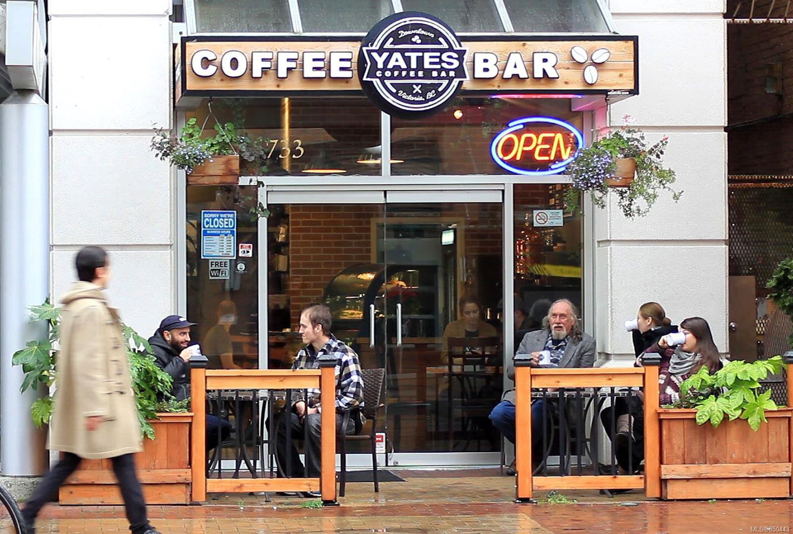Main Photo: 733 Yates St in : Vi Downtown Business for sale (Victoria)  : MLS®# 850443