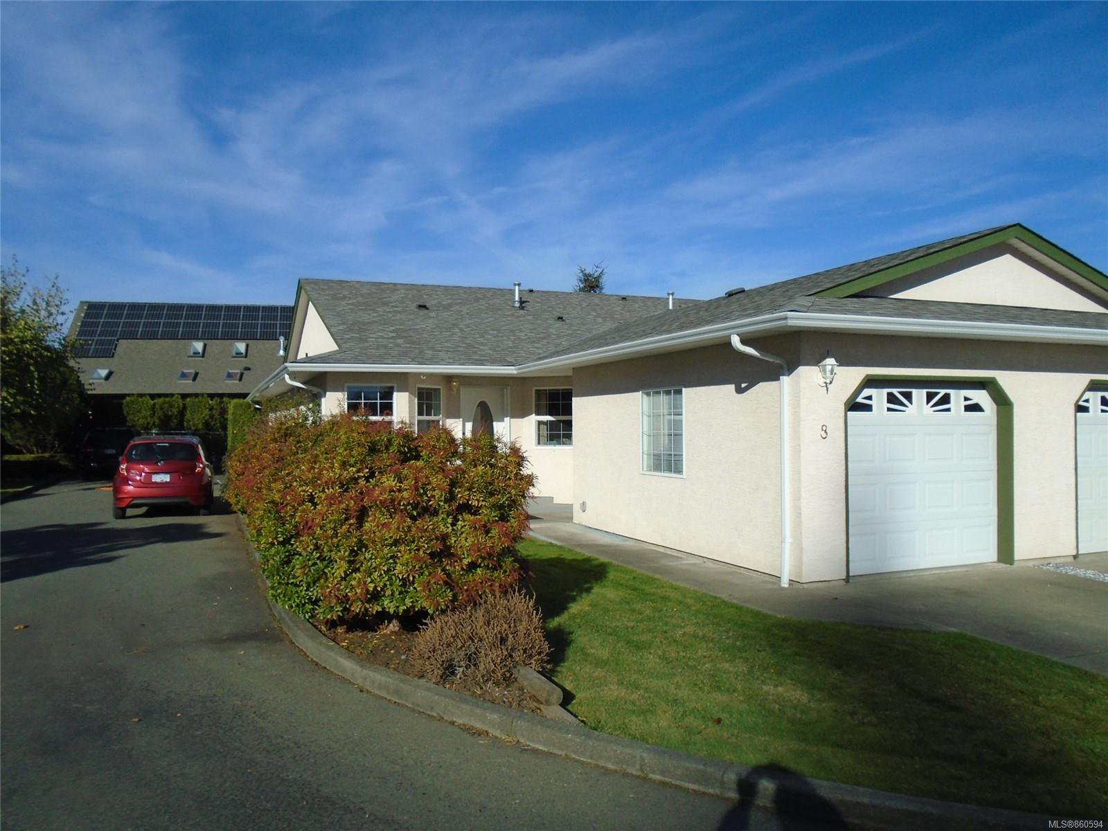 Main Photo: 8 3355 1st St in : CV Cumberland Row/Townhouse for sale (Comox Valley)  : MLS®# 860594