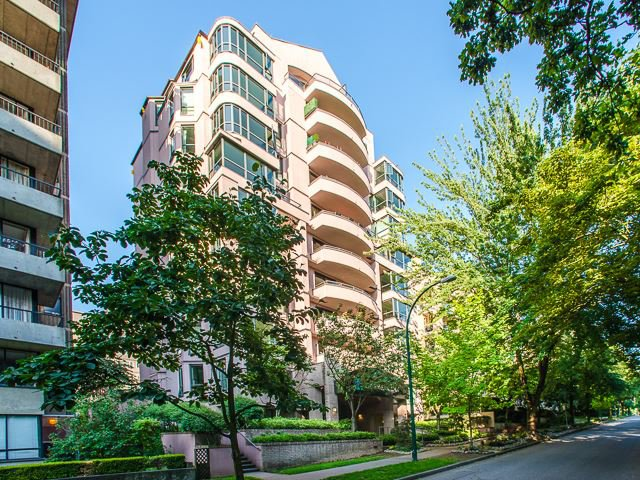 Main Photo: Vancouver West in West End VW: Condo for sale : MLS®# R2080754