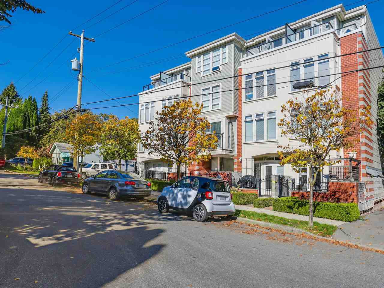 Main Photo: 203 3637 W 17TH AVENUE in Vancouver: Dunbar Condo for sale (Vancouver West)  : MLS®# R2150087