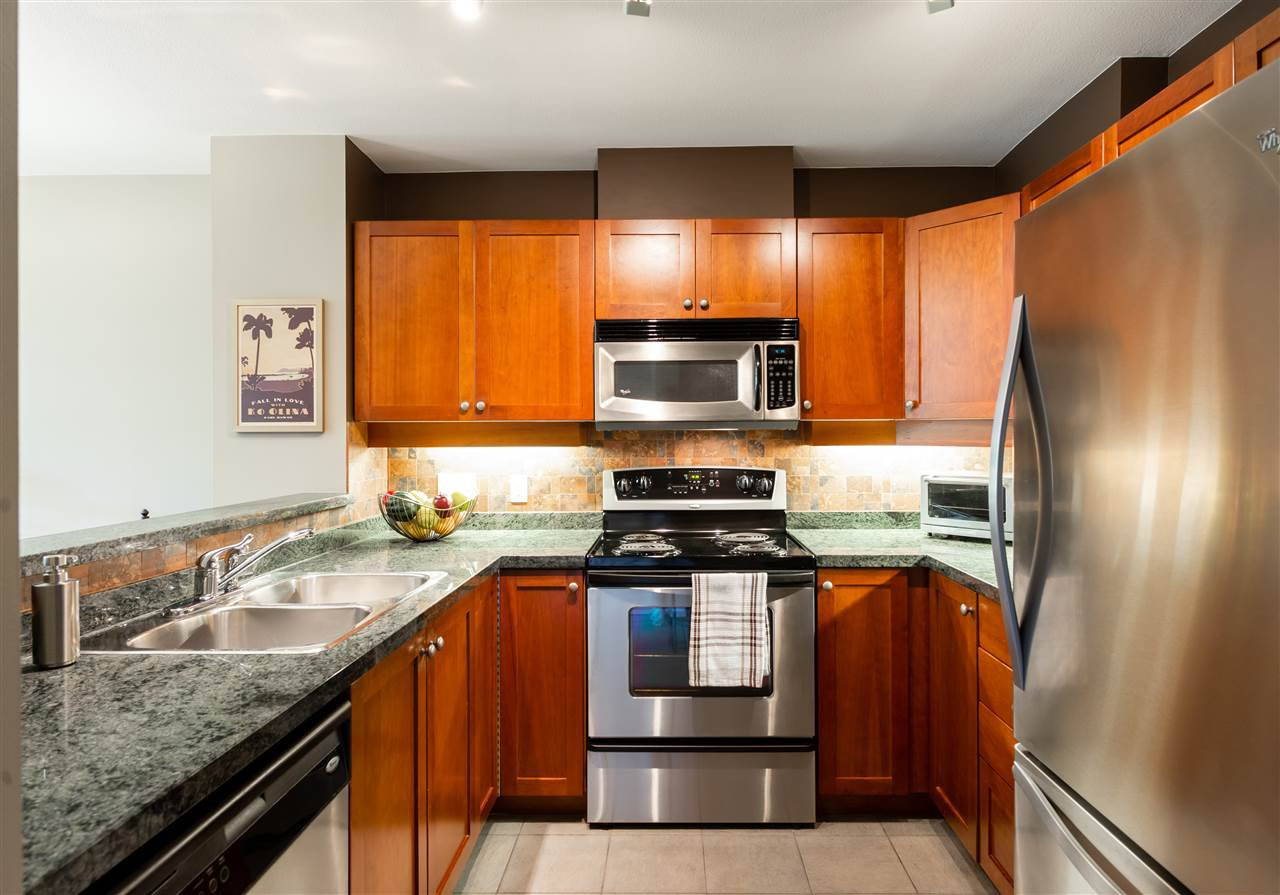 Photo 6: Photos: 401 675 PARK CRESCENT in New Westminster: GlenBrooke North Condo for sale : MLS®# R2304752
