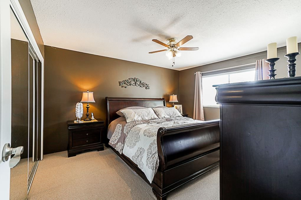 Photo 12: Photos: 5927 169A STREET in Surrey: Cloverdale BC House for sale (Cloverdale)  : MLS®# R2306406
