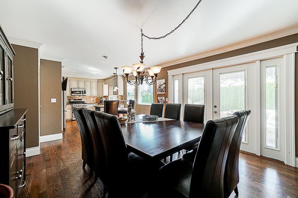 Photo 8: Photos: 5927 169A STREET in Surrey: Cloverdale BC House for sale (Cloverdale)  : MLS®# R2306406