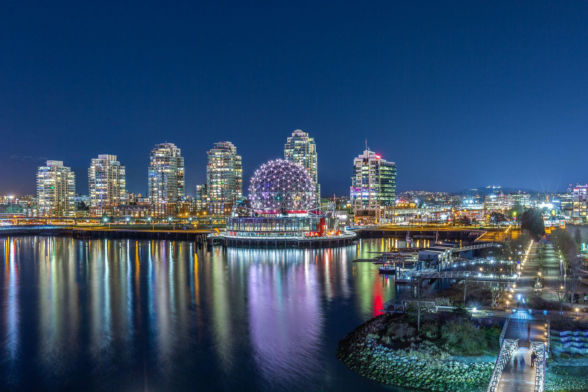 Main Photo: 602 151 Athletes Way in Vancouver: False Creek Condo for sale (Vancouver West)  : MLS®# R2352265