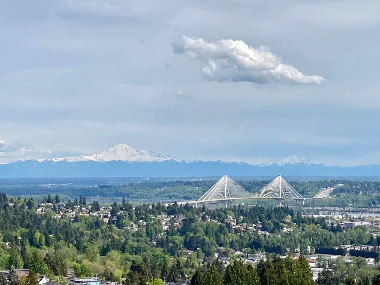 Main Photo: 1508 958 RIDGEWAY Avenue in Coquitlam: Central Coquitlam Condo for sale : MLS®# R2455189