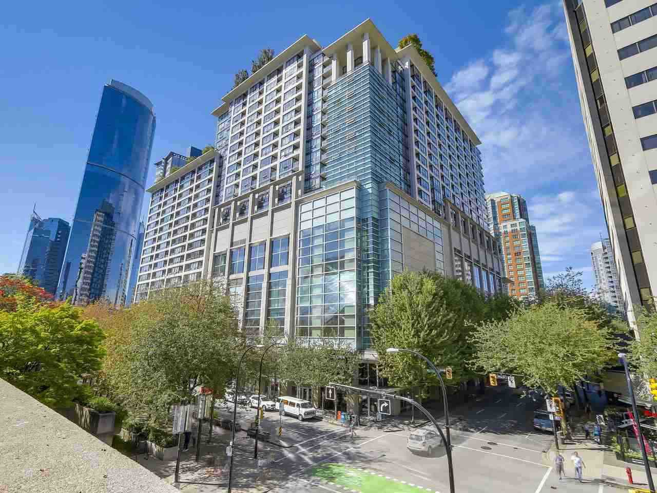 "Main Photo: 2201 938 SMITHE Street in Vancouver: Downtown VW Condo for sale in ""ELECTRIC AVE"" (Vancouver West)  : MLS®# R2477360"