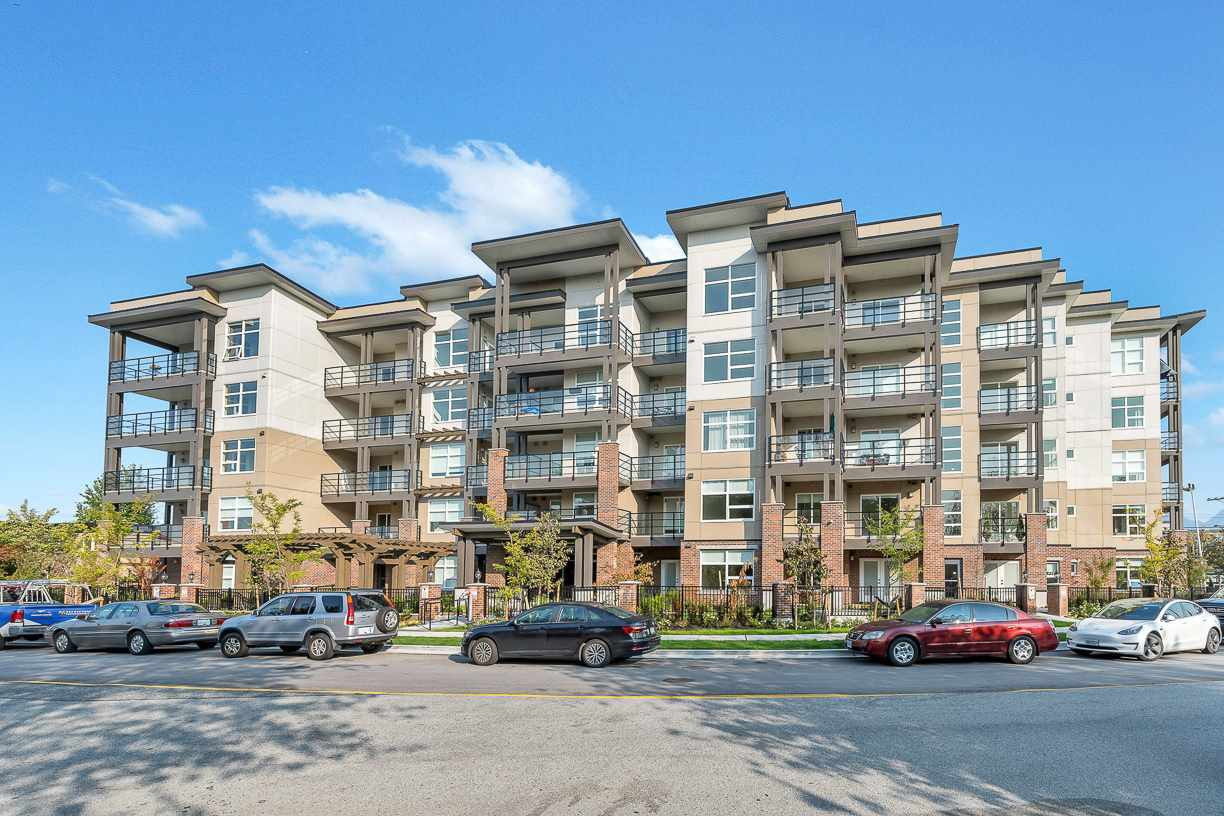 """Main Photo: 504 22577 ROYAL Crescent in Maple Ridge: East Central Condo for sale in """"THE CREST"""" : MLS®# R2517727"""