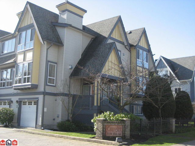 "Main Photo: 8 16388 85TH Avenue in Surrey: Fleetwood Tynehead Townhouse for sale in ""CAMELOT VILLAGE"" : MLS®# F1206348"
