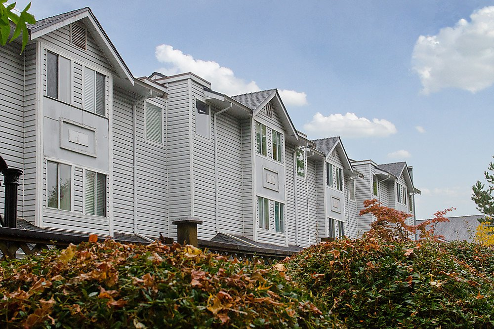 Main Photo: 23 22411 124th Street in Maple Ridge: Townhouse for sale : MLS®# V976782
