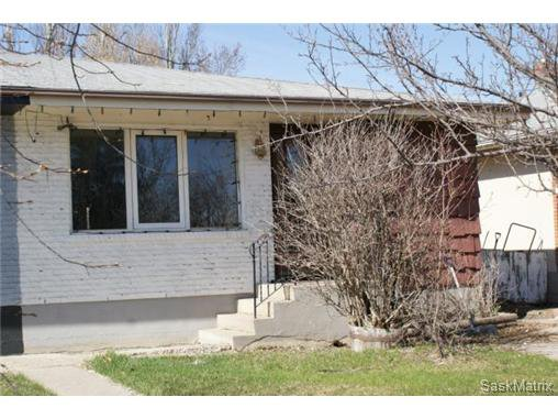 Main Photo: 7244 BOWMAN Avenue in Regina: Dieppe Place Semi-Detached for sale (Regina Area 02)  : MLS®# 457304