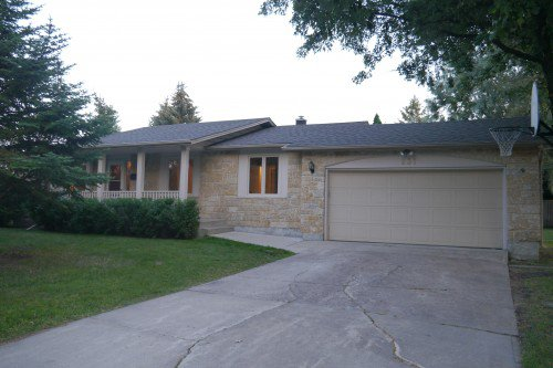 Main Photo: 231 Browning Boulevard in Winnipeg: Westwood Single Family Detached for sale (West Winnipeg)  : MLS®# 1419662
