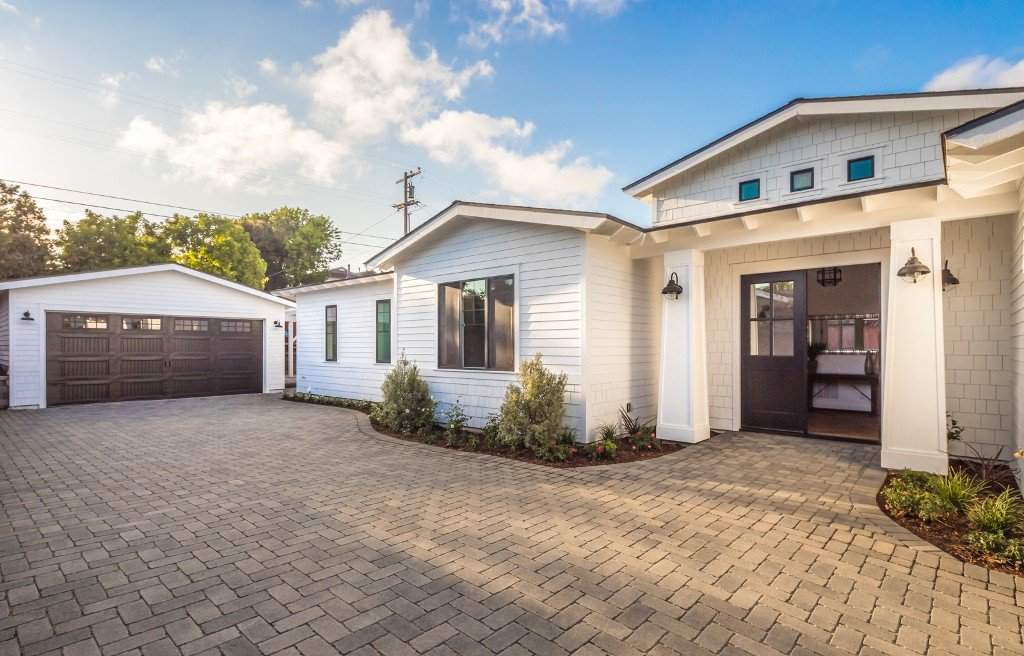 Main Photo: Residential for sale : 4 bedrooms : 746 Devonshire Drive in Encinitas