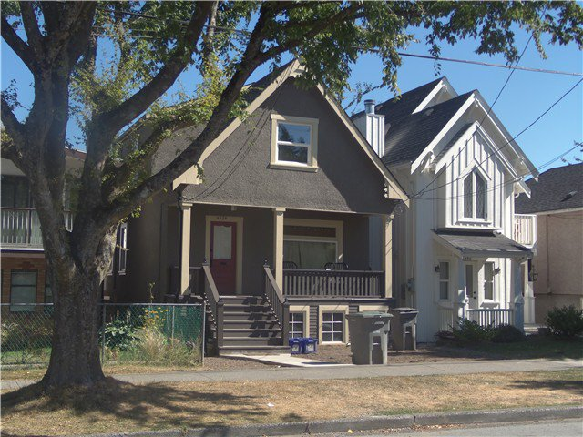 Main Photo: 4354 Prince Edward St in Vancouver: Fraser VE House for sale (Vancouver East)  : MLS®# v969288