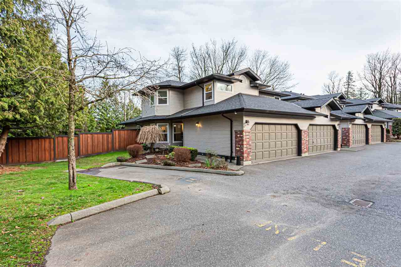 "Main Photo: 25 36060 OLD YALE Road in Abbotsford: Abbotsford East Townhouse for sale in ""Mountain View Village"" : MLS®# R2428827"