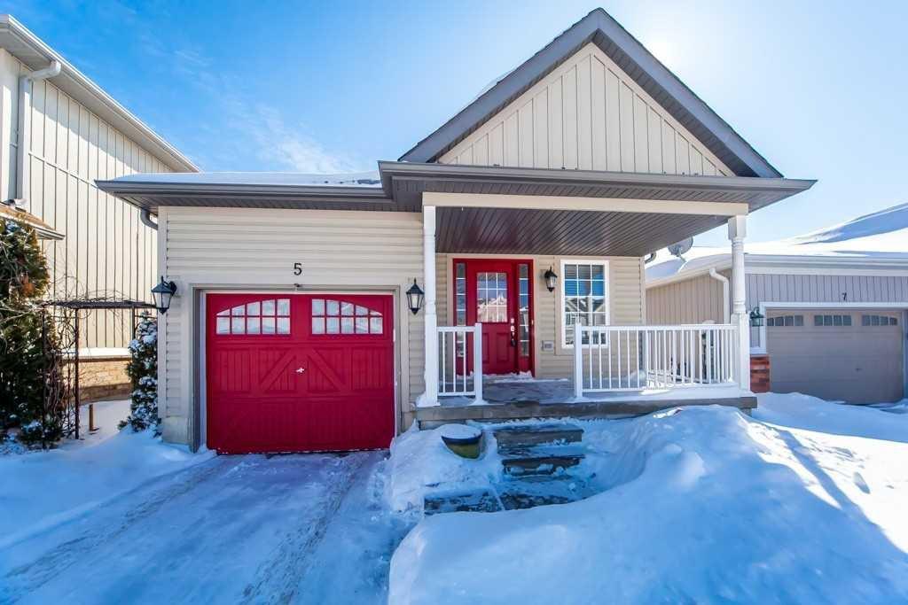 Main Photo: 5 Flynn Avenue in Kawartha Lakes: Lindsay House (Bungalow) for sale : MLS®# X4706502