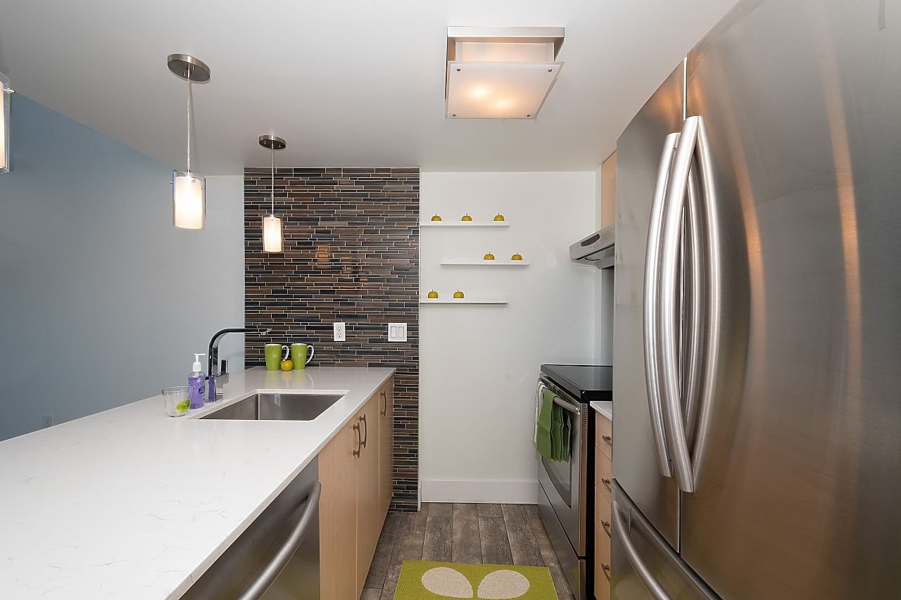 """Photo 6: Photos: 710 22 E CORDOVA Street in Vancouver: Downtown VE Condo for sale in """"VAN - HORNE"""" (Vancouver East)  : MLS®# R2444041"""