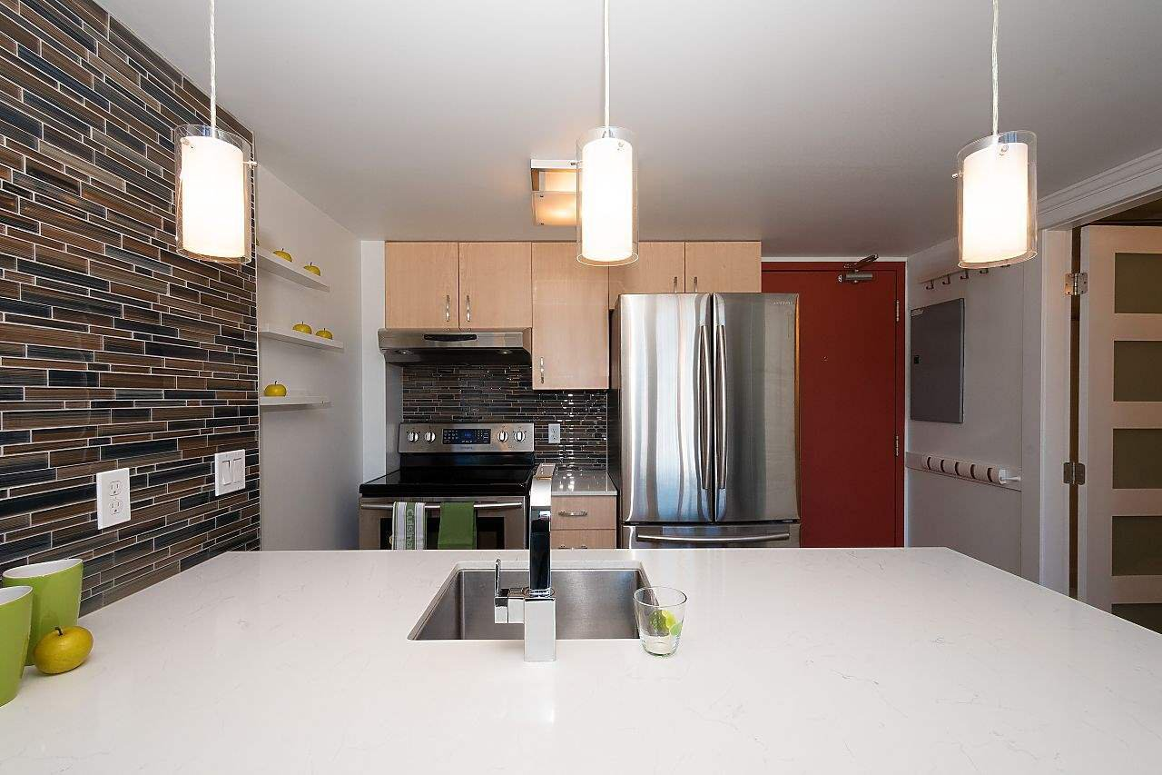 """Photo 7: Photos: 710 22 E CORDOVA Street in Vancouver: Downtown VE Condo for sale in """"VAN - HORNE"""" (Vancouver East)  : MLS®# R2444041"""