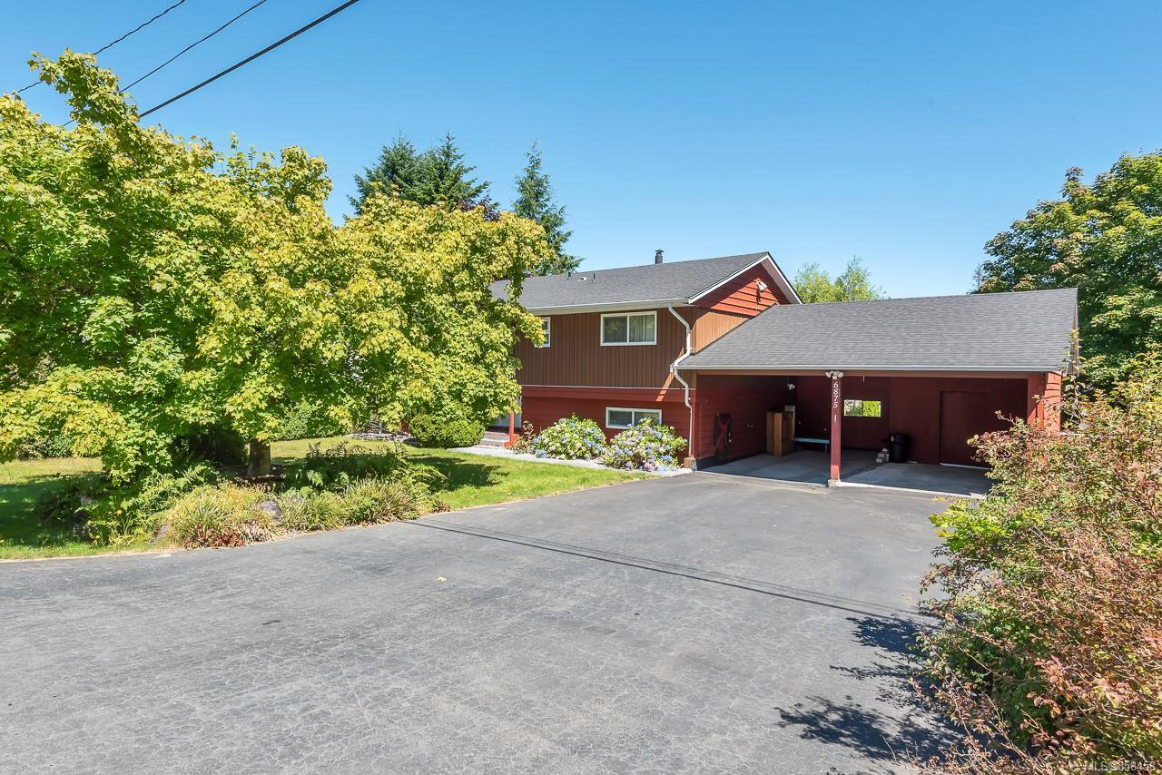 Main Photo: 6875 Glenlion Dr in : NI Port Hardy House for sale (North Island)  : MLS®# 858458