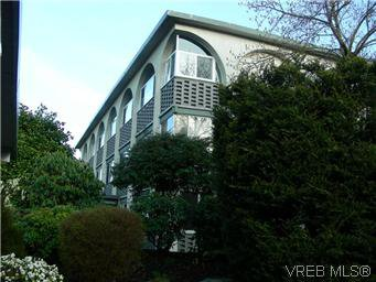 Main Photo: 304A 2040 White Birch Rd in SIDNEY: Si Sidney North-East Condo Apartment for sale (Sidney)  : MLS®# 565205