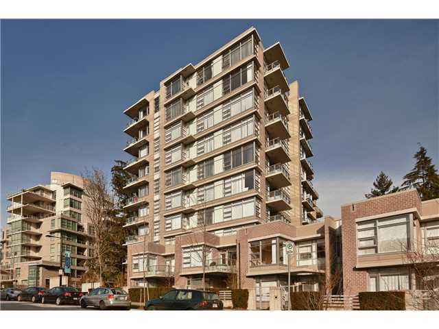 Main Photo: : Condo for sale : MLS®# v927808