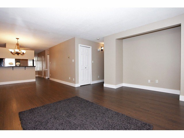 Photo 4: Photos: # 127 7837 120A ST in Surrey: West Newton Condo for sale : MLS®# F1403513