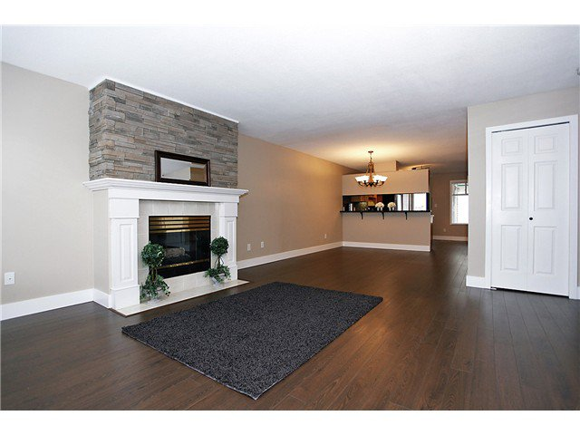 Photo 3: Photos: # 127 7837 120A ST in Surrey: West Newton Condo for sale : MLS®# F1403513