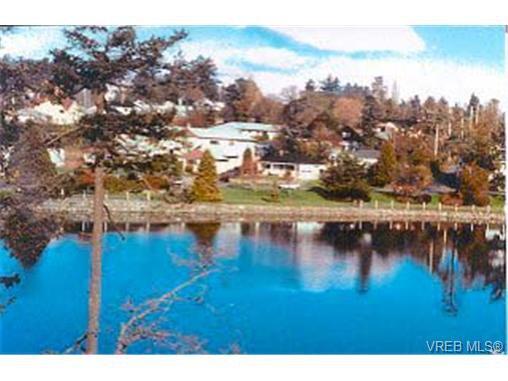 Main Photo: 942 Garthland Rd in VICTORIA: Es Kinsmen Park Land for sale (Esquimalt)  : MLS®# 280163