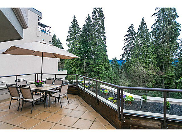 Main Photo: # 506 1500 OSTLER CT in North Vancouver: Indian River Condo for sale : MLS®# V1103932