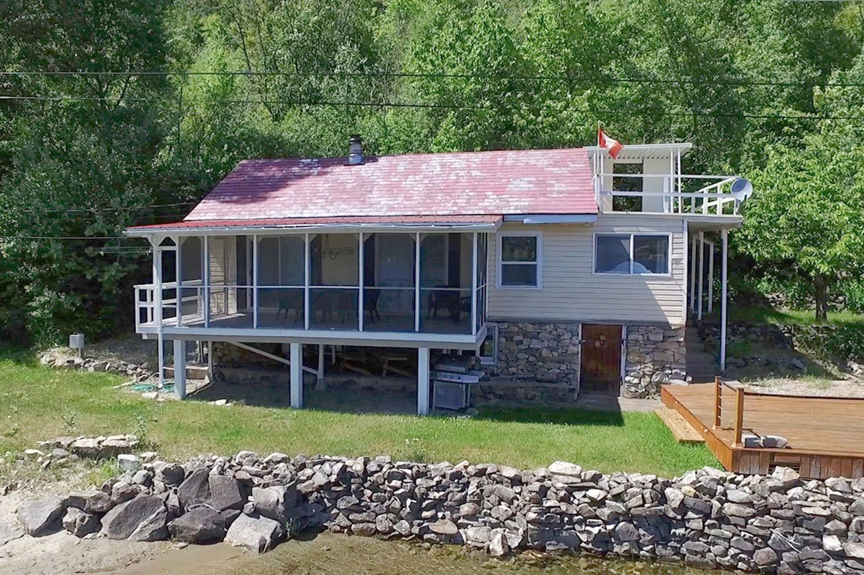 Photo 2: Photos: 6138 Lakeview Road: Chase House for sale (Shuswap)  : MLS®# 152025