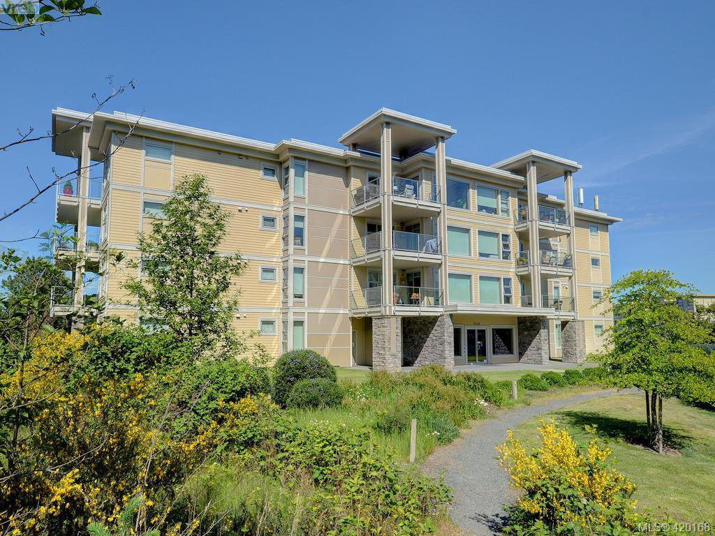 Main Photo: 303 3234 Holgate Lane in VICTORIA: Co Lagoon Condo Apartment for sale (Colwood)  : MLS®# 831596
