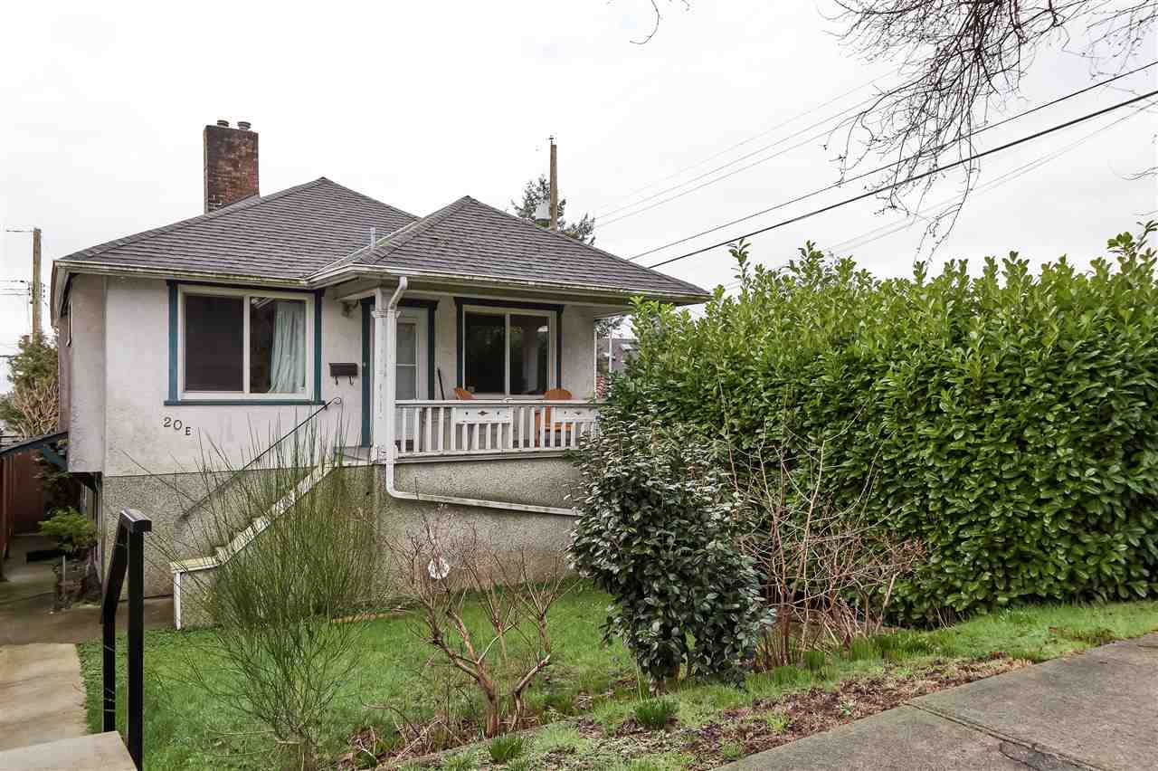 """Main Photo: 20 E 60TH Avenue in Vancouver: South Vancouver House for sale in """"SOUTH VANCOUVER"""" (Vancouver East)  : MLS®# R2434602"""