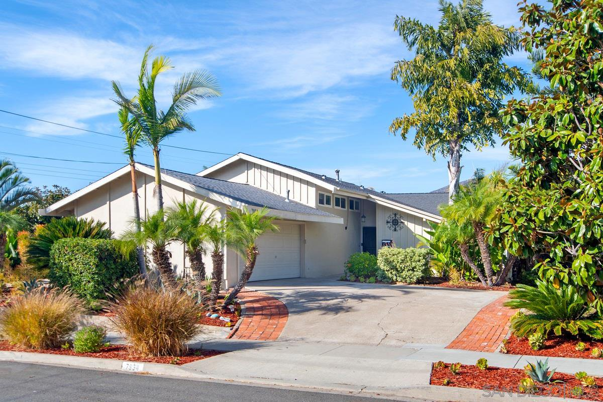 Main Photo: SAN CARLOS House for sale : 4 bedrooms : 7934 Blue Lake Dr in San Diego