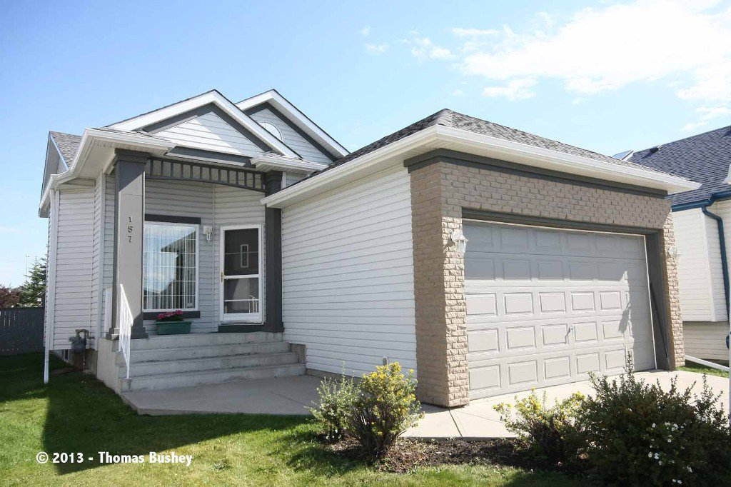Main Photo: 157 Millview Manor SW in Calgary: Millrise House for sale : MLS®# C3584828