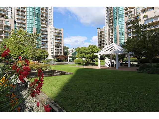 Main Photo: # 403 1190 PIPELINE RD in Coquitlam: North Coquitlam Condo for sale : MLS®# V1026155