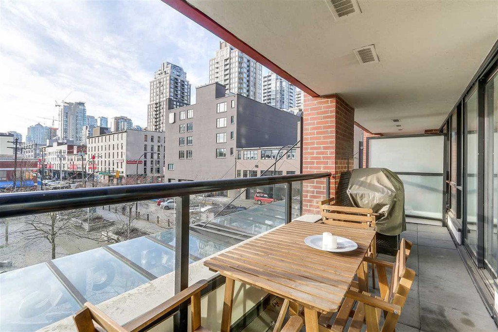 Main Photo: 310 977 Mainland in Vancouver: Yaletown Condo for sale (Vancouver West)  : MLS®# R2127719